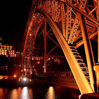 Ponte Dom Luis I over Rio Douro,  linking Porto with Vila Nova de Gaia on two levels..Porto, Portugal