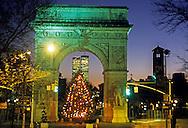 Christmas time, Christmas tree, Christmas Lights, Manhattan, New York City, New York, USA Twin Towers, World Trade Center, designed by Minoru Yamasaki, International Style II, Washington Square Park, Washington Square Arch, designed by McKim Mead & White,