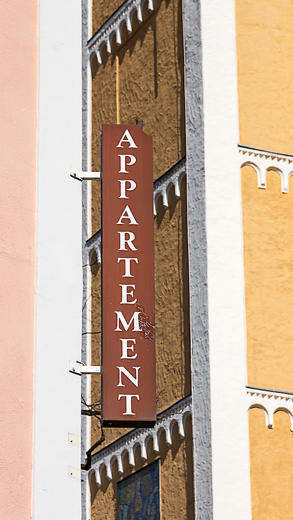 Apartment Sign in German