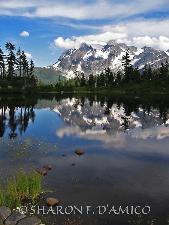 MT SHUKSAN, WA 26B2.JPG  Mountain and Sky Reflections at Picture Lake