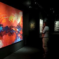 Abu Dhabi, United Arab Emirates 06 April 2009.Art exhibition in the Emirates Palace..PHOTO: EZEQUIEL SCAGNETTI