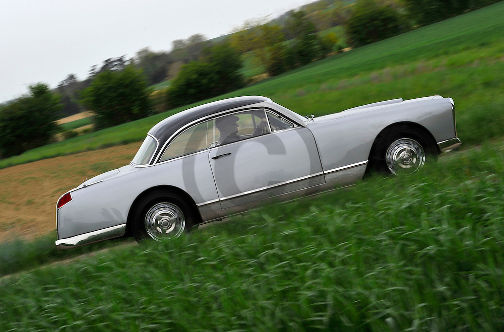 27/04/12 - MONTEGUT LAURAGAIS - HAUTE GARONNE - FRANCE - Essais FACEL VEGA Type FV de 1955 - Photo Jerome CHABANNE