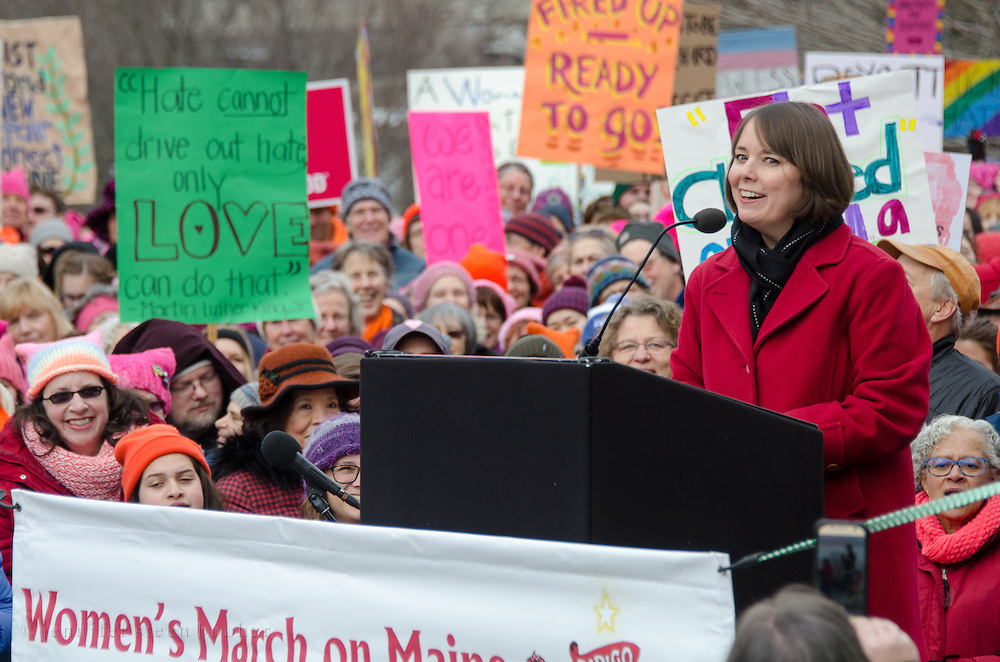 Augusta, Maine, USA. 21st Jan, 2017. Shenna Bellows, Maine State Senator, address the Women's March on Maine rally in front of the Maine State Capitol. The March on Maine is a sister rally to the Women's March on Washington. Credit: Jennifer Booher/Alamy Live News
