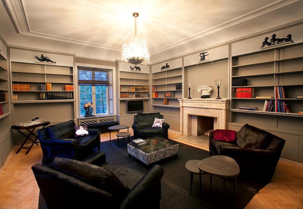 sommer facebook. Black Bedroom Furniture Sets. Home Design Ideas
