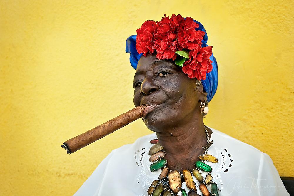 Cigar smoking women for dating 4