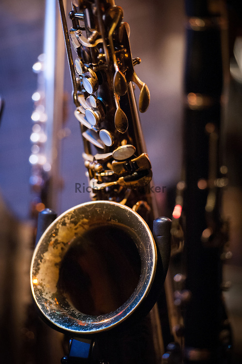 2015 December 02 - Tenor saxophone with other instruments at a jazz performance, Seattle, WA, USA. By Richard Walker