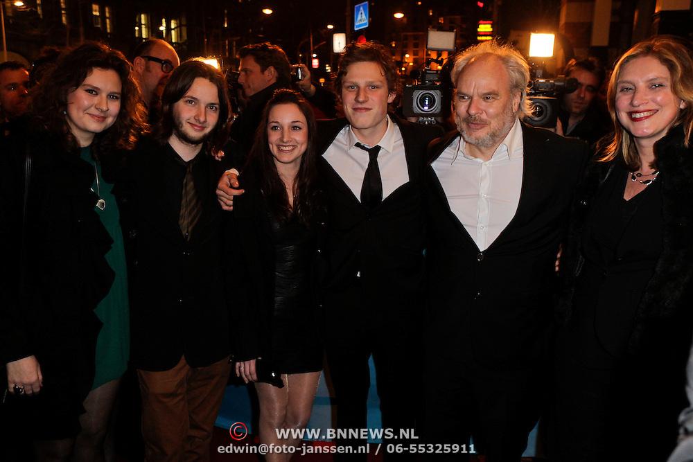 NLD/Amsterdam/20120313 - Inloop Boekenbal 2012, Nico Dijkshoorn met partner Tanja en kinderen