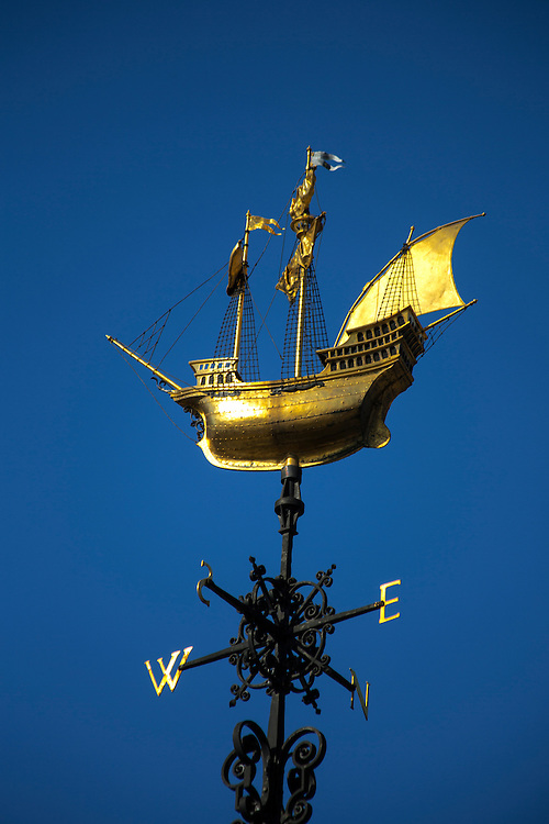 Golden Galleon windvane at Two Temple Place, London
