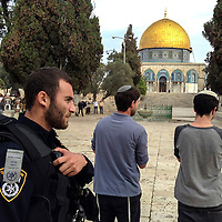 **FILE**Jewish worshippers visit the  Al Aqsa compound  sacred for Muslims and Jews, in Jerusalem's Old City.<br /> Photo by Olivier Fitoussi