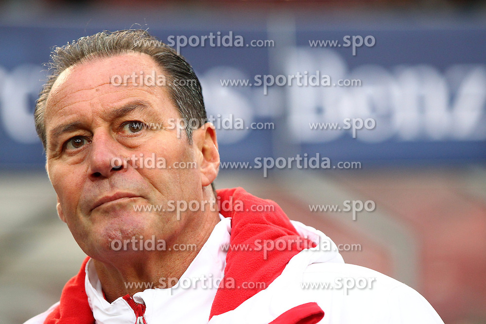 06.12.2014, Mercedes Benz Arena, Stuttgart, GER, 1. FBL, VfB Stuttgart vs Schalke 04, 14. Runde, im Bild Trainer Huub Stevens ( VfB Stuttgart ) // during the German Bundesliga 14th round match between VfB Stuttgart and Schalke 04 at the Mercedes Benz Arena in Stuttgart, Germany on 2014/12/06. EXPA Pictures &copy; 2014, PhotoCredit: EXPA/ Eibner-Pressefoto/ Langer<br /> <br /> *****ATTENTION - OUT of GER*****