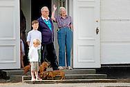 24-7-2015 -  Grasten - Queen Margrethe, Prince Henrik, Crownprince Frederik, Crownprincess Mary, Prince Christian, Princess Isabella, Prince Vincent, Princess Josephine,  Prince Henrik and Princess Athena and children Prince Christian Princess Isabella, Prince Vincent and Princess Josephine during  the changing guards at the Palace Grasten in Grasten , Danmark, 24 July 2015. COPYRIGHT ROBIN UTRECHT<br /> <br /> 24-7-2015 - Grasten - Queen Margrethe, Prince Henrik, Crown Prince Frederik, Crown Princess Mary, Prince Christian, Princess Isabella, Prince Vincent, Princess Josephine, Prince Henrik and Princess Athena and children Prince Christian Princess Isabella, Prince Vincent and Princess Josephine during the changing guards at the Palace Grasten in Grasten , Danmark, 24 July 2015. COPYRIGHT ROBIN UTRECHT<br /> 24-7-2015 - Grasten - Koningin Margrethe, Prins Henrik, kroonprins Frederik, kroonprinses Mary, prins Christian, prinses Isabella, Prins Vincent, Prinses Josephine, prins Henrik en Prinses Athena en kinderen Prince Christian Princess Isabella, Prins Vincent en Prinses Josephine tijdens wisselen van de wacht bij het paleis in Grasten Grasten, Denemarken, 24 Juli 2015 COPYRIGHT ROBIN UTRECHT