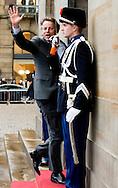 12-1-2016 AMSTERDAM bert koenders Koning Willem-Alexander en Koningin Maxima houden dinsdag 12 januari 2016 de traditionele Nieuwjaarsontvangst voor Nederlandse genodigden in het paleis op de dam . prinses beatrix  prinses Margriet . COPYRIGHT ROBIN UTRECHT<br /> AMSTERDAM 12-1-2016 King Willem-Alexander and Queen Maxima arrive Tuesday, January 12th, 2016 for the traditional New Year Reception for Dutch guests in the palace on the dam. princess beatrix Princess Margriet . COPYRIGHT ROBIN UTRECHT