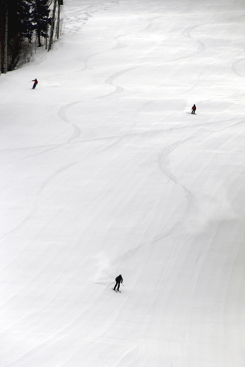 USA, Colorado, Beaver Creek. Skiers on the slopes of the Beaver Creek Ski Resort.