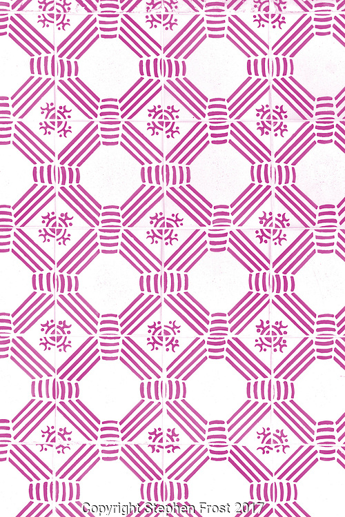 A traditional lilac pattern design.