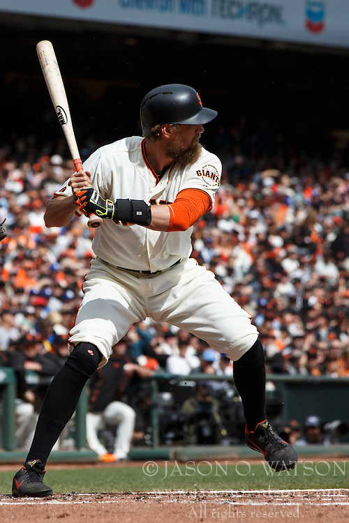 SAN FRANCISCO, CA - OCTOBER 02: Hunter Pence #8 of the San Francisco Giants at bat against the Los Angeles Dodgers during the first inning at AT&T Park on October 2, 2016 in San Francisco, California. The San Francisco Giants defeated the Los Angeles Dodgers 7-1. (Photo by Jason O. Watson/Getty Images) *** Local Caption *** Hunter Pence