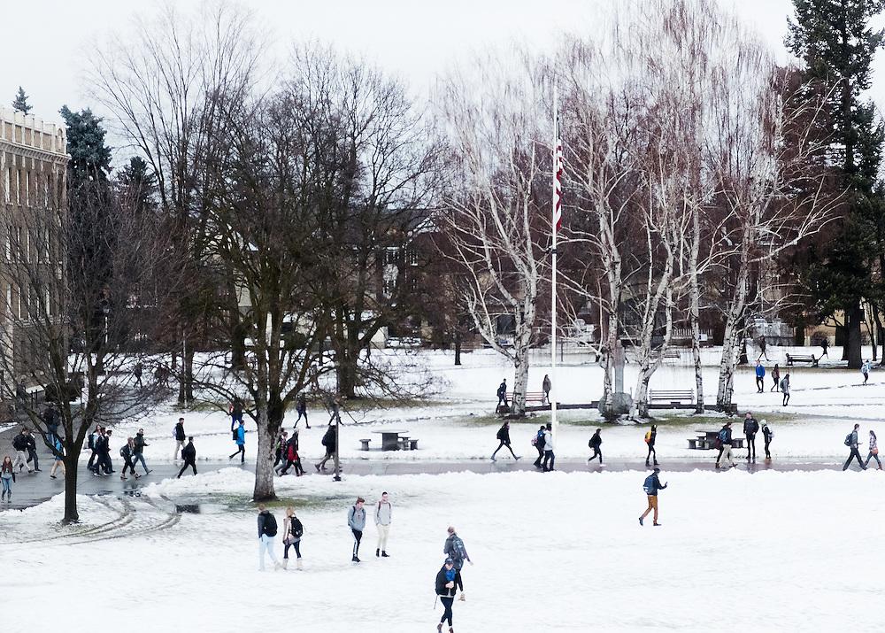 campus snow | Gonzaga Photo Archive