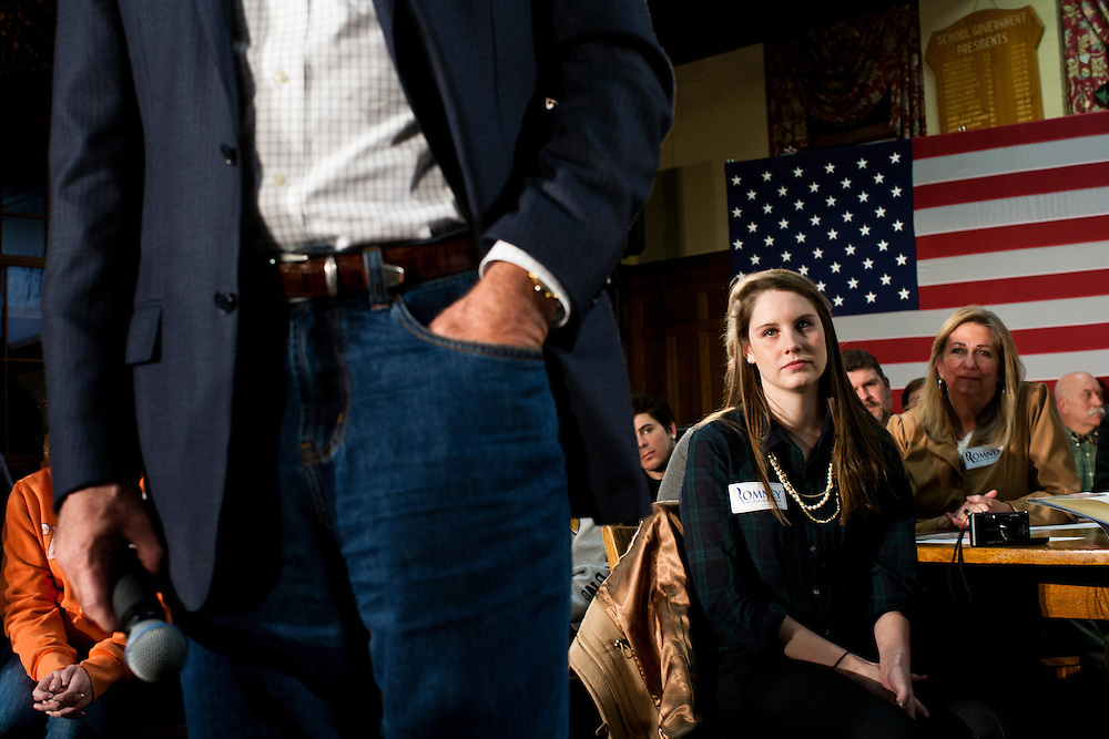Republican presidential candidate Mitt Romney hosts a spaghetti dinner on Friday, January 6, 2012 in Tilton, NH.