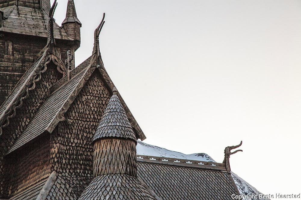 Lom stavkirke er en av de største stavkirkene i Norge. Bygget ca 1170 til 1200.