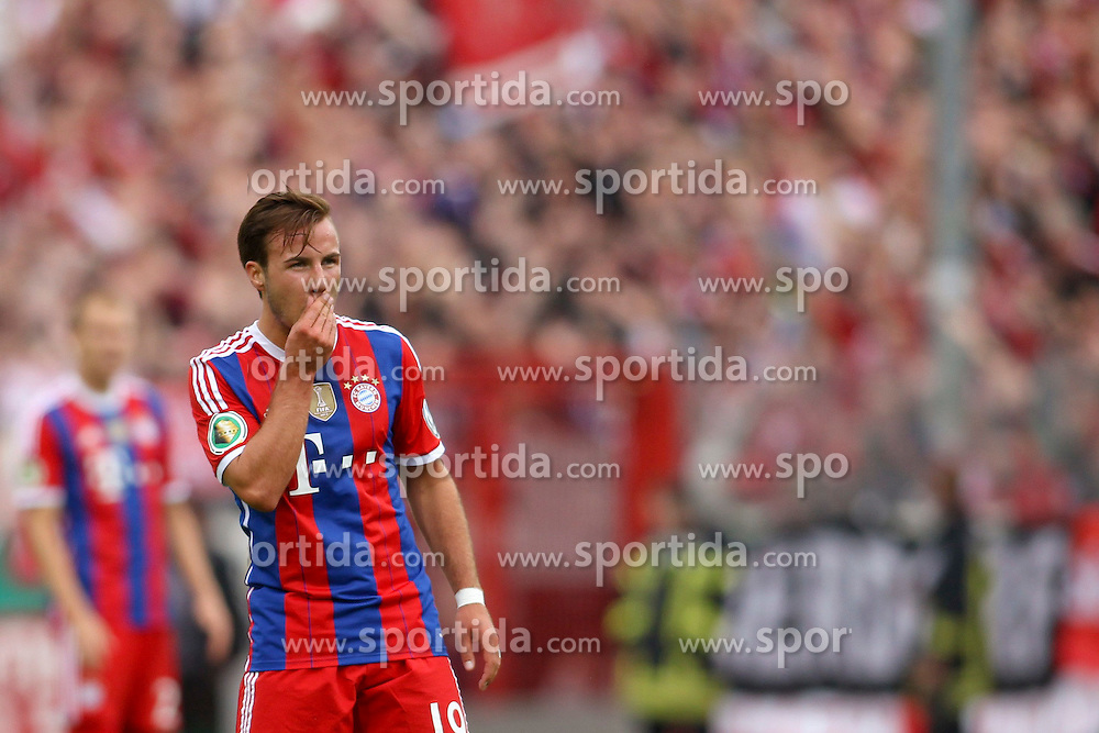 17.08.2014, Preussenstadion, Muenster, GER, DFB Pokal, SC Preussen Muenster vs FC Bayern Muenchen, 1. Runde, im Bild Mario Goetze (FC Bayern Muenchen #19) // during the 1st round match of German DFB Pokal between SC Preussen Muenster vs FC Bayern Munich at the Preussenstadion in Muenster, Germany on 2014/08/17. EXPA Pictures &copy; 2014, PhotoCredit: EXPA/ Eibner-Pressefoto/ Schueler<br /> <br /> *****ATTENTION - OUT of GER*****