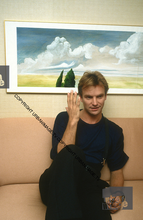 Sting backstage - The Police - 1979