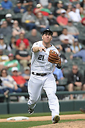 CHICAGO - APRIL 21:  Todd Frazier #21 of the Chicago White Sox fields against the Los Angeles Angels of Anaheim on April 21, 2016 at U.S. Cellular Field in Chicago, Illinois.  The Angels defeated the White Sox 3-2.  (Photo by Ron Vesely)   Subject: Todd Frazier