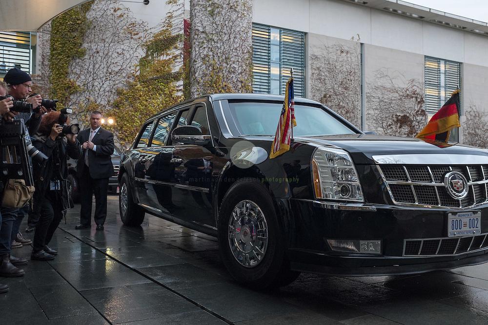 BERLIN, 17.11.2916 / Bundeskanzlerin Angela Merkel empfaengt den scheidenden US-Praesidenten zu Gespraechen im Bundeskanzleramt. Hier die Praesidenten-Limousine am Eingang des Kanzleramtes, nachdem Praesident Obama ausgestiegen ist.
