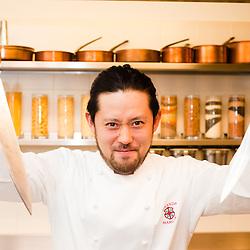 Akio Fujita - Sous-chef presso la Locanda Margon al fianco dello chef Patron Alfio Grezzi.Locanda Margon .Via Margone di Ravina, 15 38123 TRENTO.Tel: 0461 349401.E-mail: contact@locandamargon.it.http://www.locandamargon.it/benvenuti/default.asp
