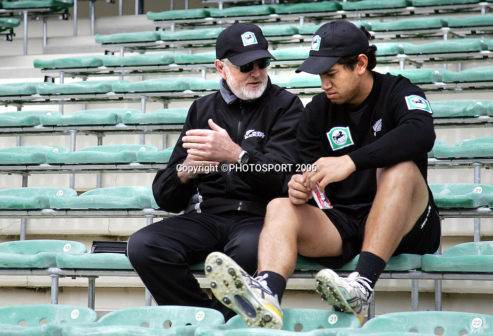 Black Caps Team Sport Psychologist Gary Hermanson talks to Ross Taylor after a training session at the John Davies Oval prior to the 2nd ODI international versus Sri Lanka, Queenstown, New Zealand on Saturday 30 December, 2006. McMillan has been called in as cover for the injured Nathan Astle. Photo: Andrew Cornaga/PHOTOSPORT.<br />
