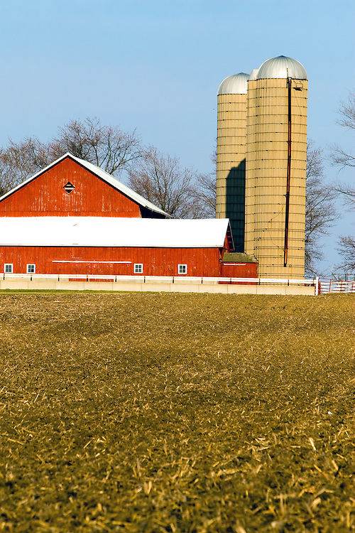red barn and silo photography by nick suydam