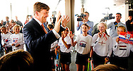 DEN HAAG - Koning Willem Alexander  is vrijdagmiddag 30 mei in het World Forum in Den Haag aanwezig bij de officiële opening van de Hockey World Cup 2014. COPYRIGHT ROBIN UTRECHT
