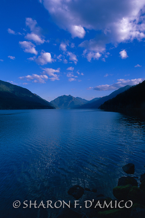 LAKE CRESCENT AND MT STORM KING 8608.JPG