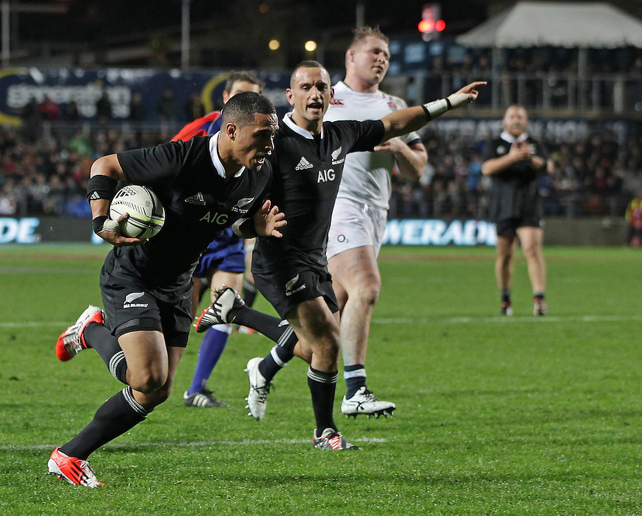 New Zealand's Aaron Smith runs home a try against England in an International Rugby Test match, Waikato Stadium, Hamilton, New Zealand, Saturday, June 21, 2014.  Credit:SNPA / David Rowland