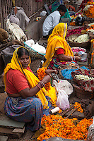 Jaipur has so many markets, it is sometimes difficult to tell when one has ended and another has begun.  Baapu Bazaar, Nehru Bazaar, Indira Bazaar markets are all a part of the market jumble of Jaipur. In between and embedded within each of these markets are snack vendors, craftsmen and spices on display.