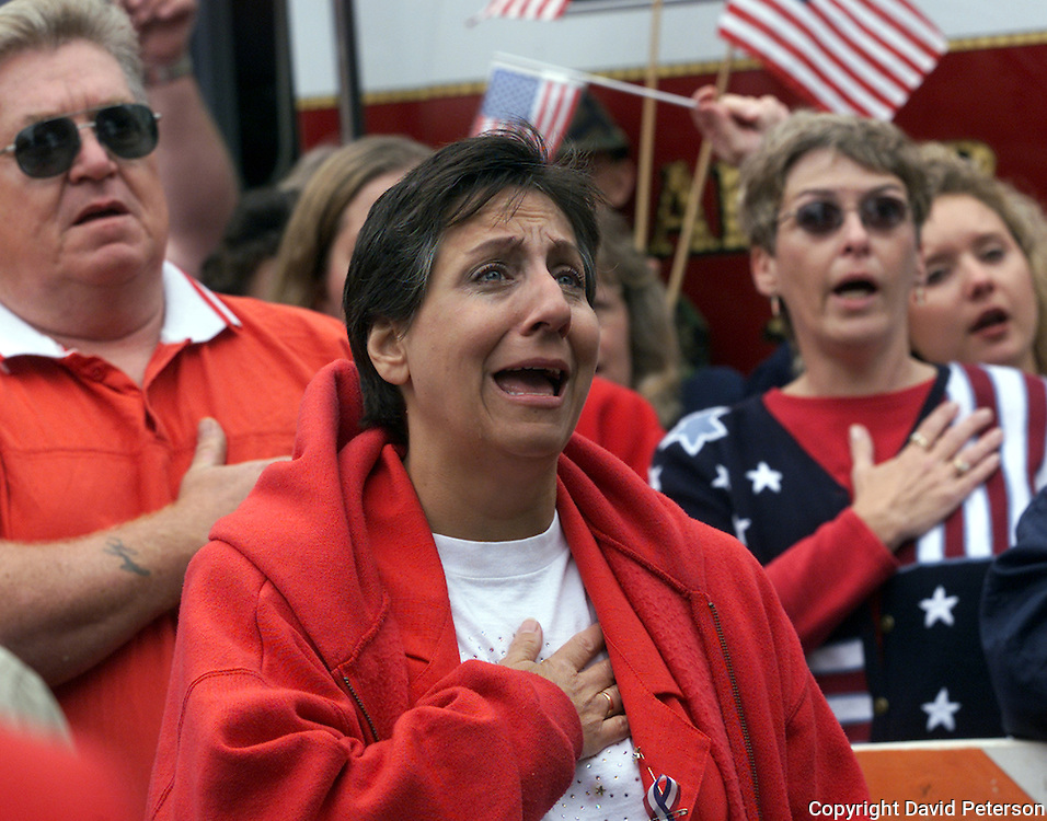 Citizens gathered 3 days after 9/11 in downtown Des Moines, Ia., to express their pain and patriotism after the terrorist attacks on their country.
