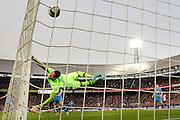 ROTTERDAM - Feyenoord - AZ , Voetbal , Eredivisie, Seizoen 2015/2016 , Stadion de Kuip , 25-10-2015 , Speler van Feyenoord Dirk Kuyt (l) scoort de 1-0 door de bal achter AZ keeper Gino Coutinho (r) te schieten