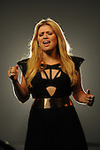 10/19/2012 - Kelly Clarkson Catch My Breath Video