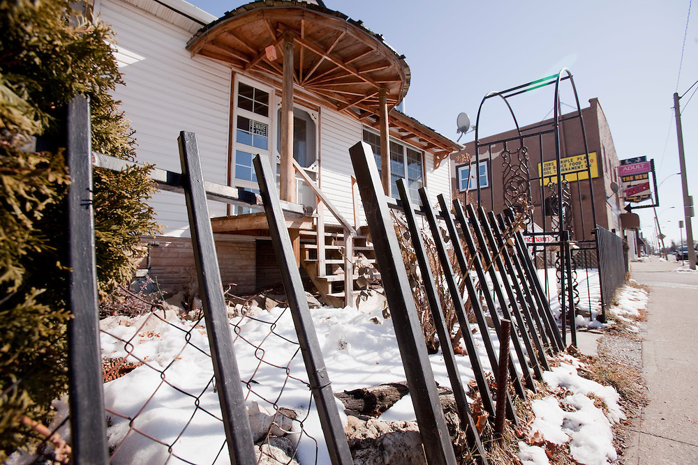 Windsor, Ontario ---10-02-19--- This foreclosed property in Windsor, Ontario pictured February 19, 2010 has one of the the lowest asking prices in the city. It is currently listed under $30,000.<br /> GEOFF ROBINS The Globe and Mail<br /> <br /> Eds note: Please confirm actual $ with story