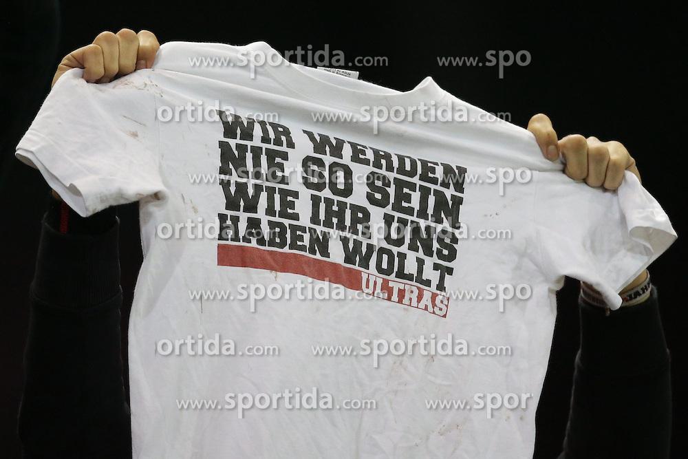 15.12.2012, Coface Arena, Mainz, GER, 1. FBL, 1. FSV Mainz 05 vs VfB Stuttgart, 17. Runde, im Bild ULTRAS monieren Wir werden nie so sein wie ihr es wollt // during the German Bundesliga 17th round match between 1. FSV Mainz 05 and VfB Stuttgart at the Coface Arena, Mainz, Germany on 2012/12/15. EXPA Pictures © 2012, PhotoCredit: EXPA/ Eibner/ Gerry Schmit..***** ATTENTION - OUT OF GER *****