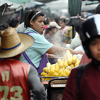 Bangkok, Thailand October 2007<br /> View of a market.<br /> Photo: Ezequiel Scagnetti
