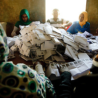 Khartoum, Sudan 16 April 2010<br /> Sudanese election staff count ballots in a polling station after the end of the presidential elections.<br /> Photo: Ezequiel Scagnetti