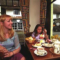 UK. Devon. Caroline Baker & her daughter Holly at Primrose Cottage tearooms, Lustleigh, Devon..Photo©Steve Forrest/Workers' Photos.