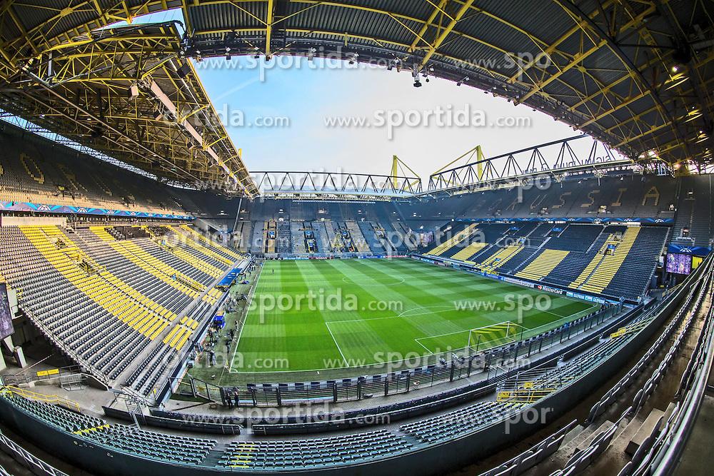 18.03.2015, Signal Iduna Park, Dortmund, GER, UEFA CL, Borussia Dortmund vs Juventus Turin, Achtelfinal, R&uuml;ckspiel, im Bild Sationansicht innen // during the UEFA Champions League Round of 16, 2nd Leg match between Borussia Dortmund and Juventus Turin at the Signal Iduna Park in Dortmund, Germany on 2015/03/18. EXPA Pictures &copy; 2015, PhotoCredit: EXPA/ Eibner-Pressefoto/ Neis<br /> <br /> *****ATTENTION - OUT of GER*****