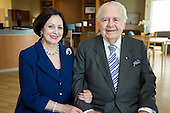 Gayle and Tom Benson visit the Benson Cancer Center