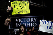 UNITED STATES, OHIO, CLEVELAND : Supporters of US Republican presidential candidate Mitt Romney in Cleveland, Ohio, on November 4, 2012. President Barack Obama and challenger Mitt Romney criss-crossed America Sunday, appealing for votes in an agonizing two-day dash for the US presidency that both sides claimed was just within their grasp. ALESSIO ROMENZI