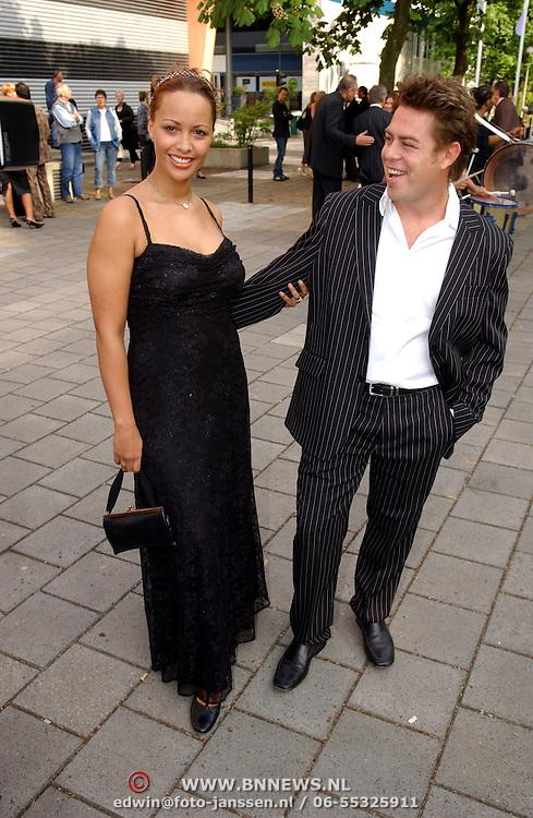 NLD/Hilversum/20050522 - Uitreiking Coiffure awards 2005, Sonja Silva en partner Eddy Stuy