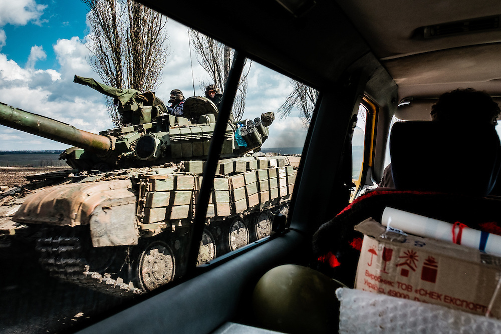 On the road with volunteers bringing food to Ukrainian soldiers on the front line of Pisky.