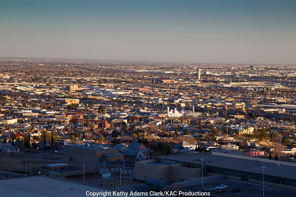 El Paso, Texas, and Juarez, Mexico, from Scenic Drive, on the Franklin Mountains.