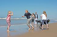 10-7-2015 - WASSENAAR - Queen Maxima and King Willem-Alexander and Princess Amalia and Princess Alexia and Princess Ariane with their dogs Skipper and pose for the annual photosession 2015 on the Beach in Nature Park  Meijendel  in Wassenaar near the hague . COPYRIGHT ROBIN UTRECHT<br /> 10/07/2015 - WASSENAAR - Koningin Maxima en Koning Willem-Alexander en Prinses Amalia en Prinses Alexia en Prinses Ariane en honden skipper en poseren voor de jaarlijkse fotosessie 2015 op het strand op het strand bij het natuurgebied Meijendel in Wassenaar  bij Den Haag. COPYRIGHT ROBIN UTRECHT Wassenaar, 10 juli 2015: Koning Willem-Alexander en Koningin M&aacute;xima met hun dochters de Prinsessen Catharina-Amalia, Alexia en Ariane en de honden Skipper en Nala hond