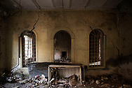 Iraq, Mosul: interior of an heavily damaged by airstrikes house in west Mosul. Alessio Romenzi
