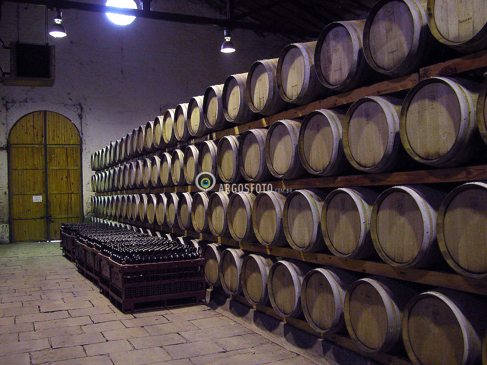 Lujan de Cuyo, Mendoza. Argentina. Jan./2004.Bodega Lagarde./ Lagarde Winery..Foto Marcos Issa/Argosfoto